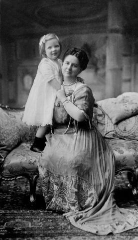 Вильгелимина и дочь Юлиана 1914 год