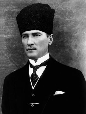 Мустафа Кемаль Ататюрк - основатель Турецкой Республики