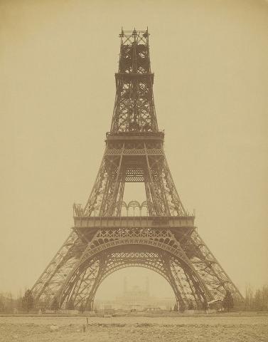 Строительство Эйфелевой башни, фотография 1888 год