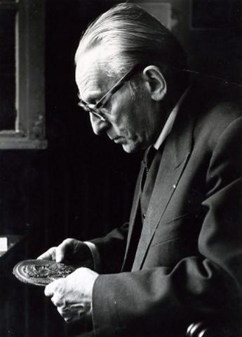 Медальер Андрэ-Мари Лаврилльер